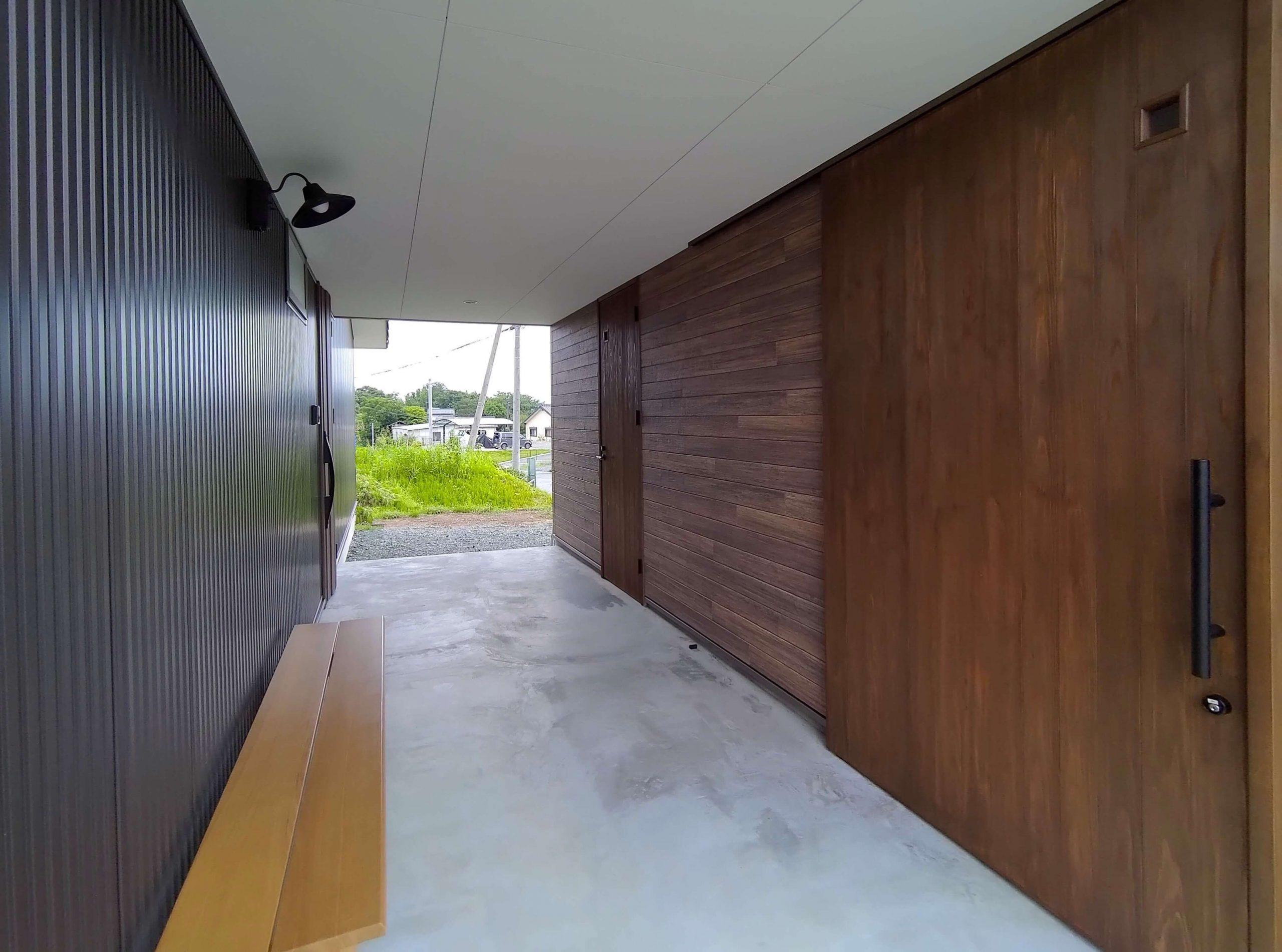 改寄町の住宅:玄関ポーチ