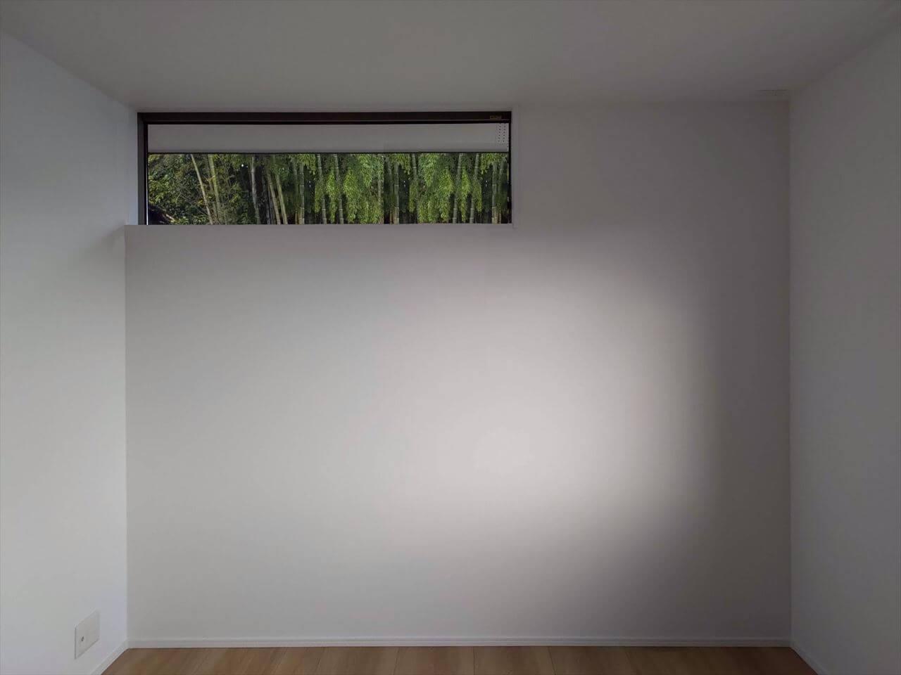 有泉の家:洋室窓