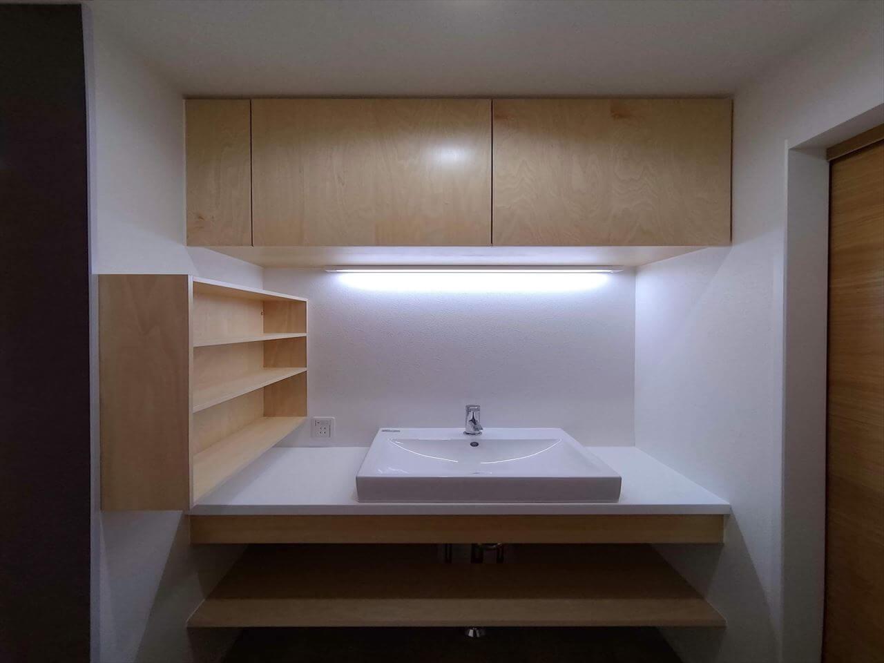 有泉の家:トイレ横手洗い