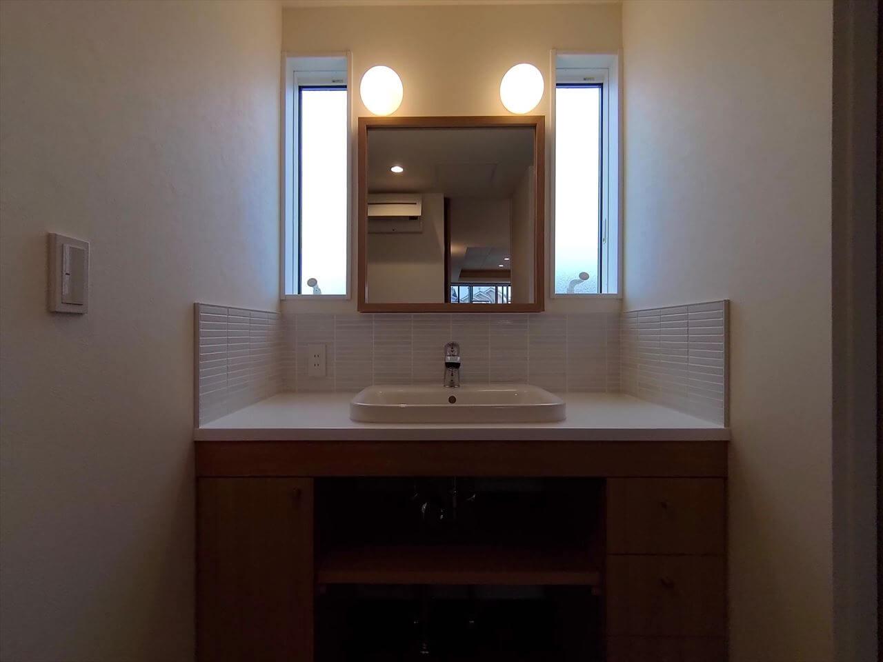 田底の家:洗面スペース